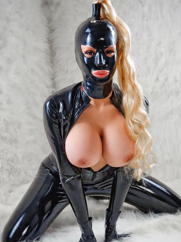 Bianca Beauchamp shows off her massive round tits without taking off her tight fit latex outfit