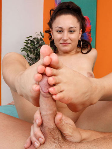 Gabriella Paltrova is about to show off her nice soft feet in this fetish gallery.
