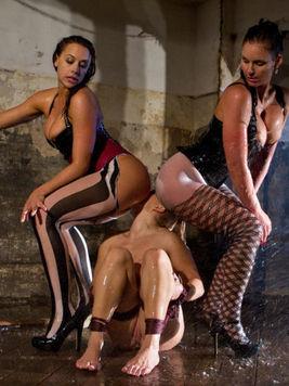 Experienced bondage and aquaphilia babe Phoenix Marie teaches babes how to enjoy themselves.