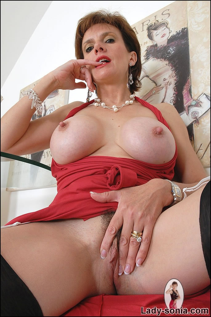 Lady sonia fingered