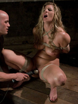 Roped milf Jordan Kingsley gets shagged by Derrick Pierce after water torture