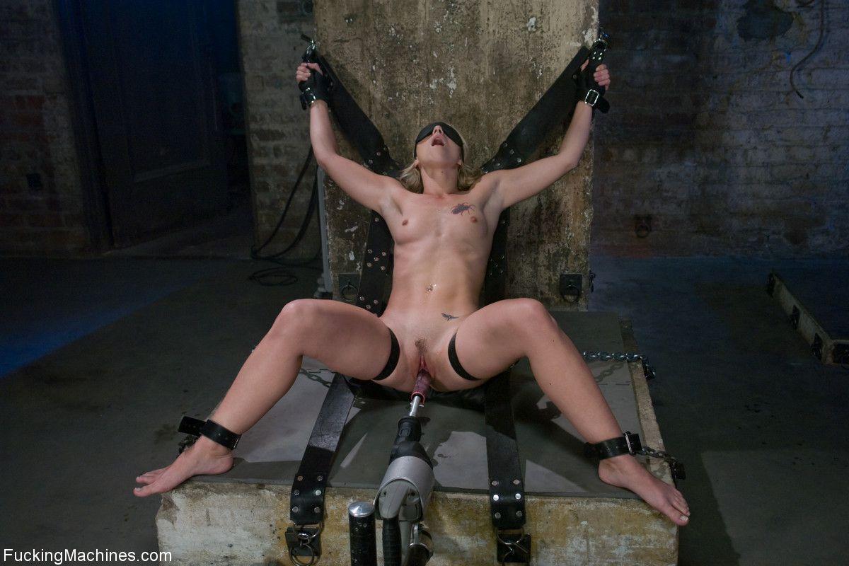pod-grifom-nyu-onlayn-porno