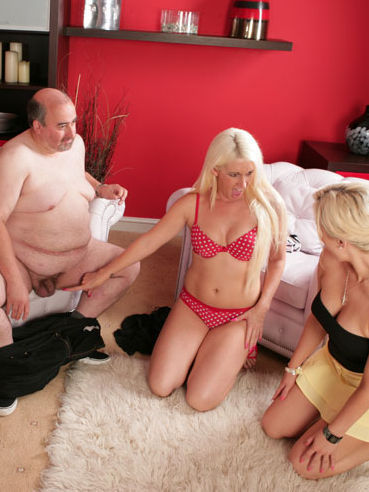 Chubby older man gets his tiny dick explored by Krystal Niles and other curious blondes