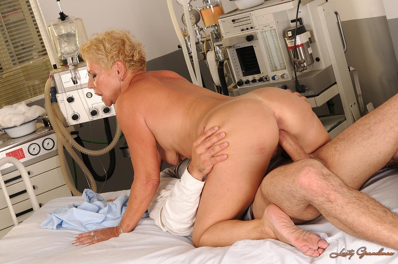 Секс осмотр врача 9 фотография