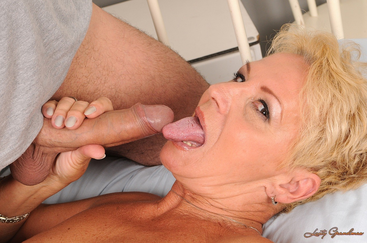 haired mature blonde helena with shapeless tits has sex with horny