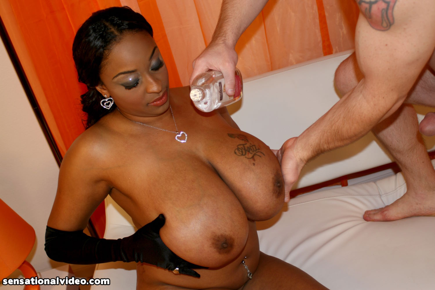 Big Breasted Ebony Slut Carmen Hayes Gets Nailed