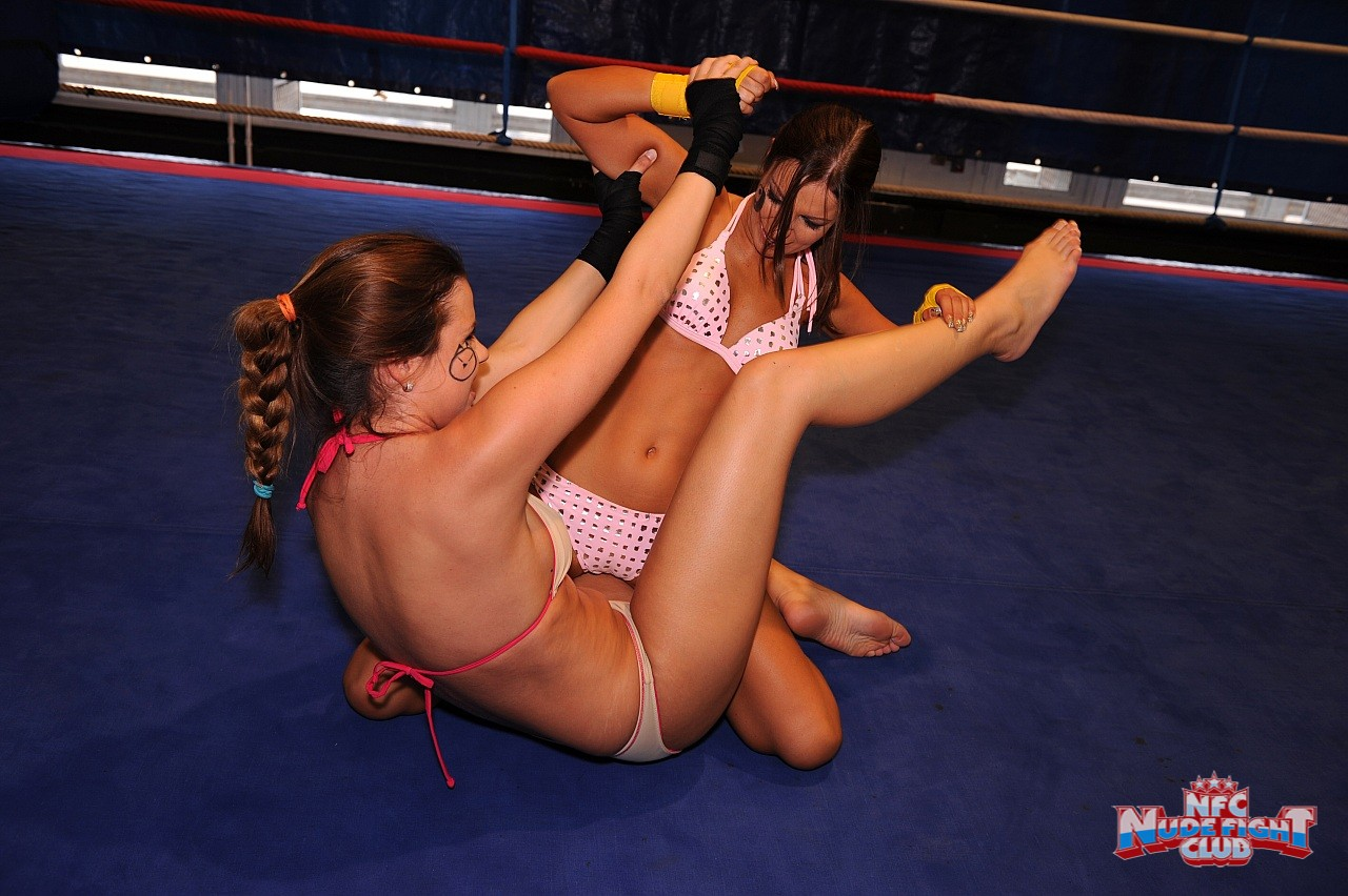 Women nude catfight naked girls