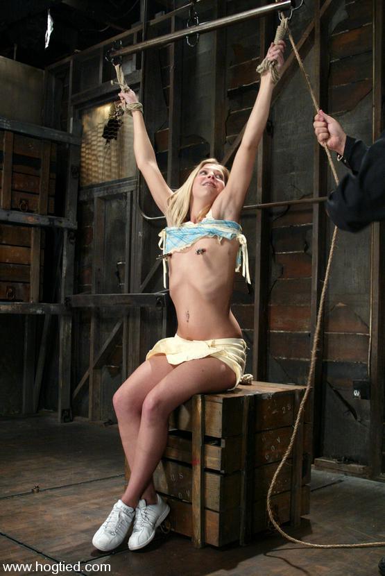 Naomi russsel takes huge deep anal