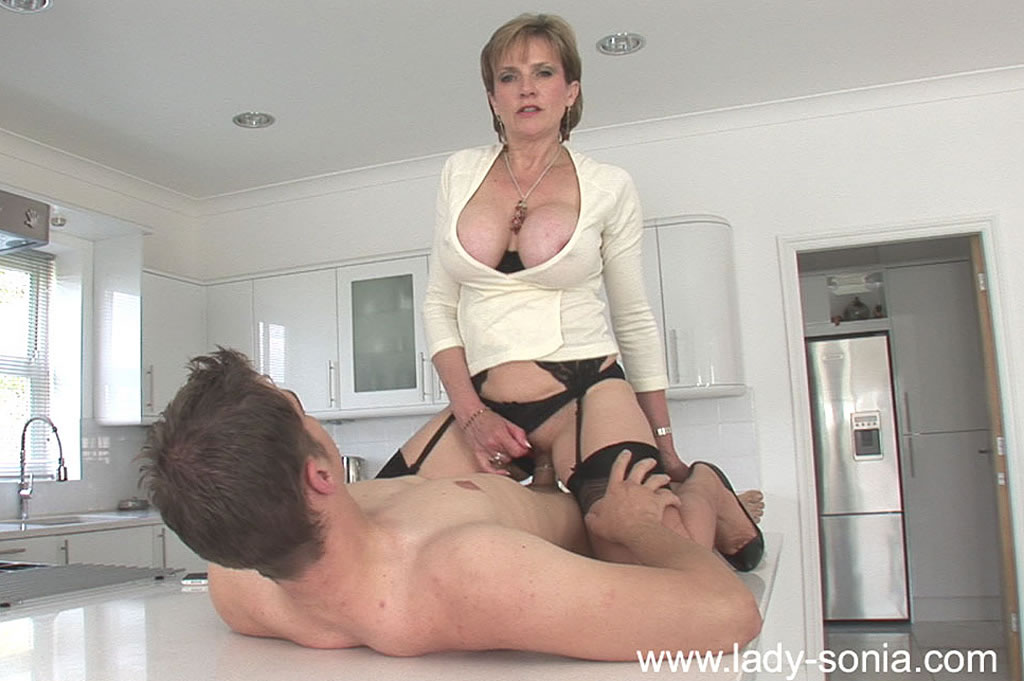 joung boy fuck woman pussy stockings