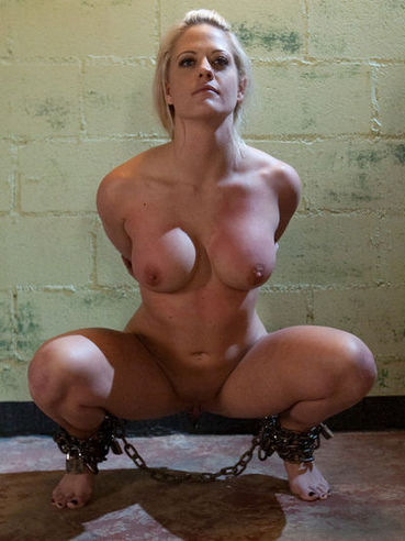 Busty sex slave Holly Heart gets her pussy dicked and dildoed by horny master Maestro