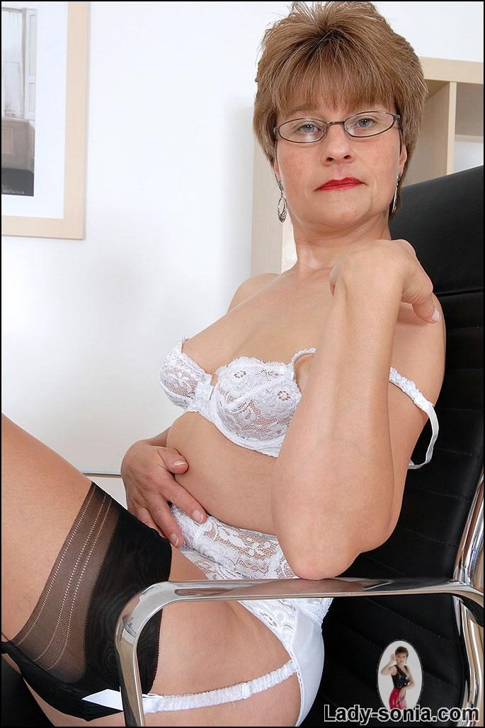 lady j lingerie jpg 1152x768