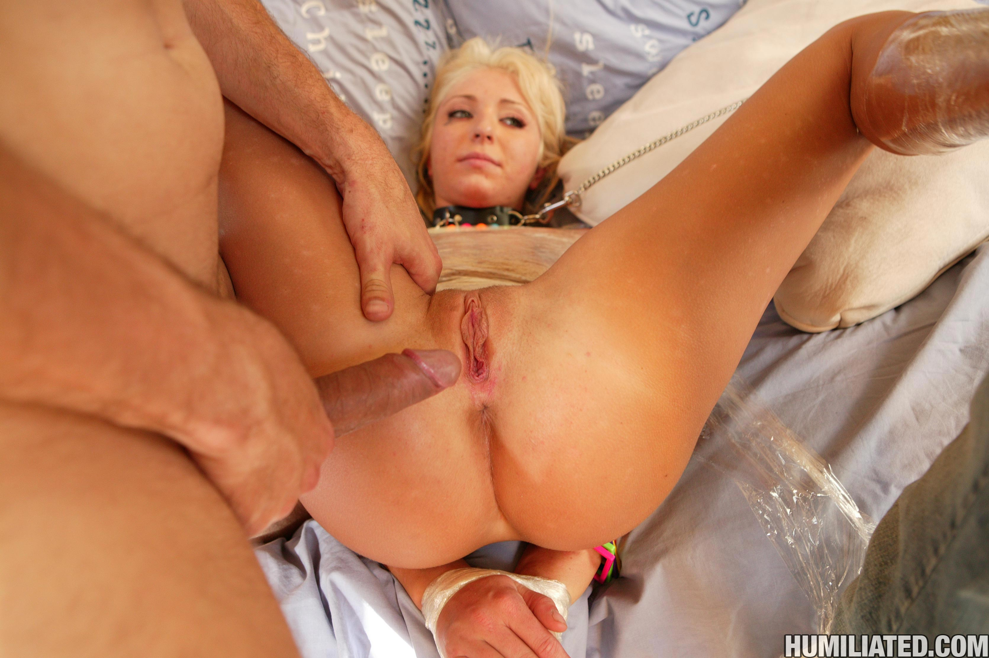 mummified blonde hottie jaelyn fox gets her shaved pussy attacked
