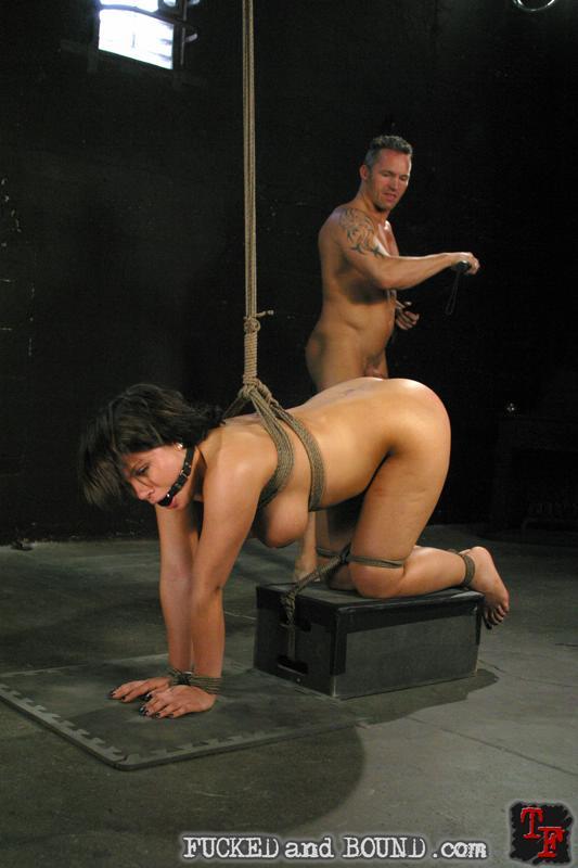 jordan gets bondage session