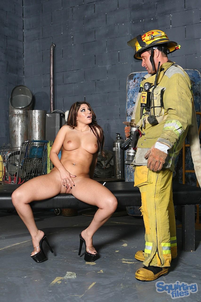 Секс с пажарные 7 фотография