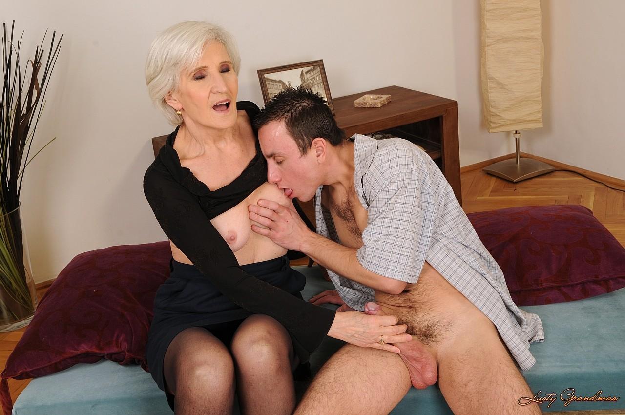 Фото дедушка и бабушка порно 22 фотография